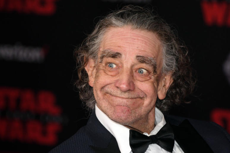 """Actor Peter Mayhew attends the premiere of Disney Pictures and Lucasfilm's """"Star Wars: The Last Jedi"""" at The Shrine Auditorium on December 9, 2017 in Los Angeles, California."""