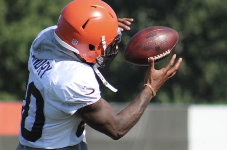 Browns receiver Jarvis Landry catches a pass during drills on Aug. 4, 2018.