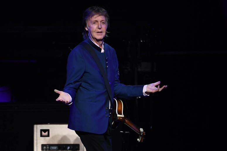 Paul McCartney performs at wedding