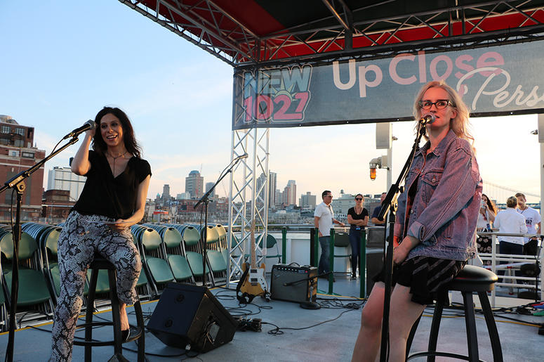 Ingrid Michaelson Performs on the Circle Line