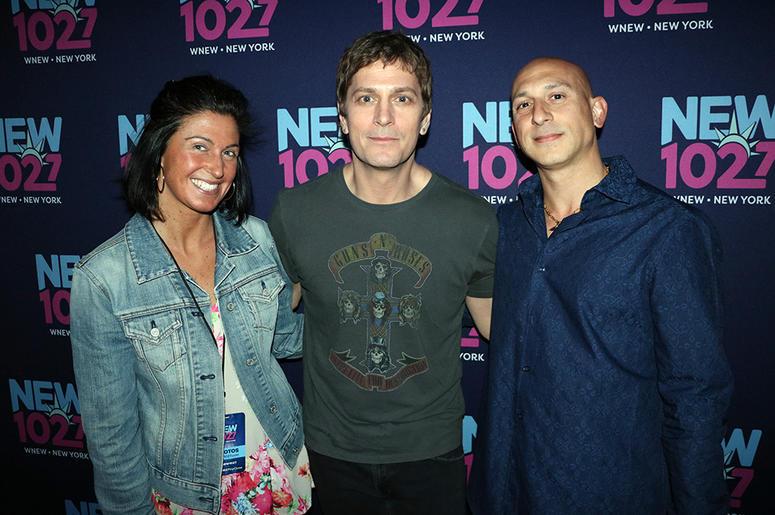 Rob Thomas Meets Fans at NEW 'Up Close & Personal'