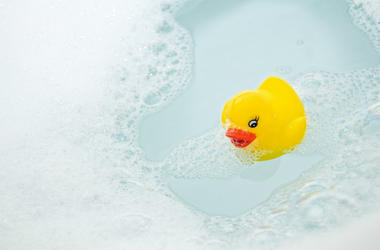 bath with rubber duck
