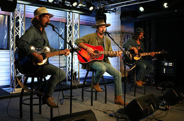 Midland Performing for Up Close and Country