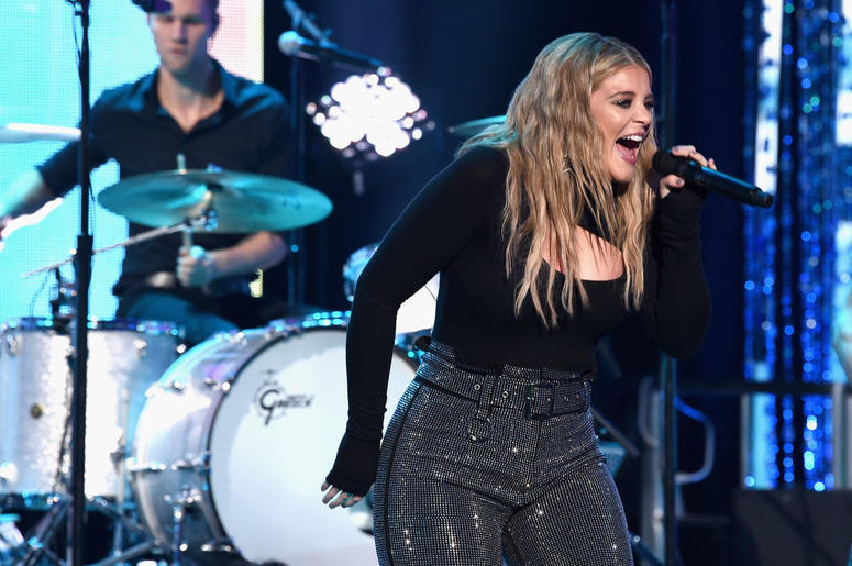 Lauren Alaina performs onstage during Dick Clark's New Year's Rockin' Eve With Ryan Seacrest 2019 on December 31, 2018 in Los Angeles, California