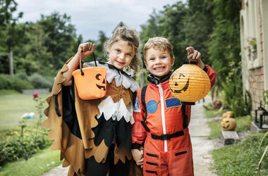 Best Orlando Neighborhoods For Trick Or Treating