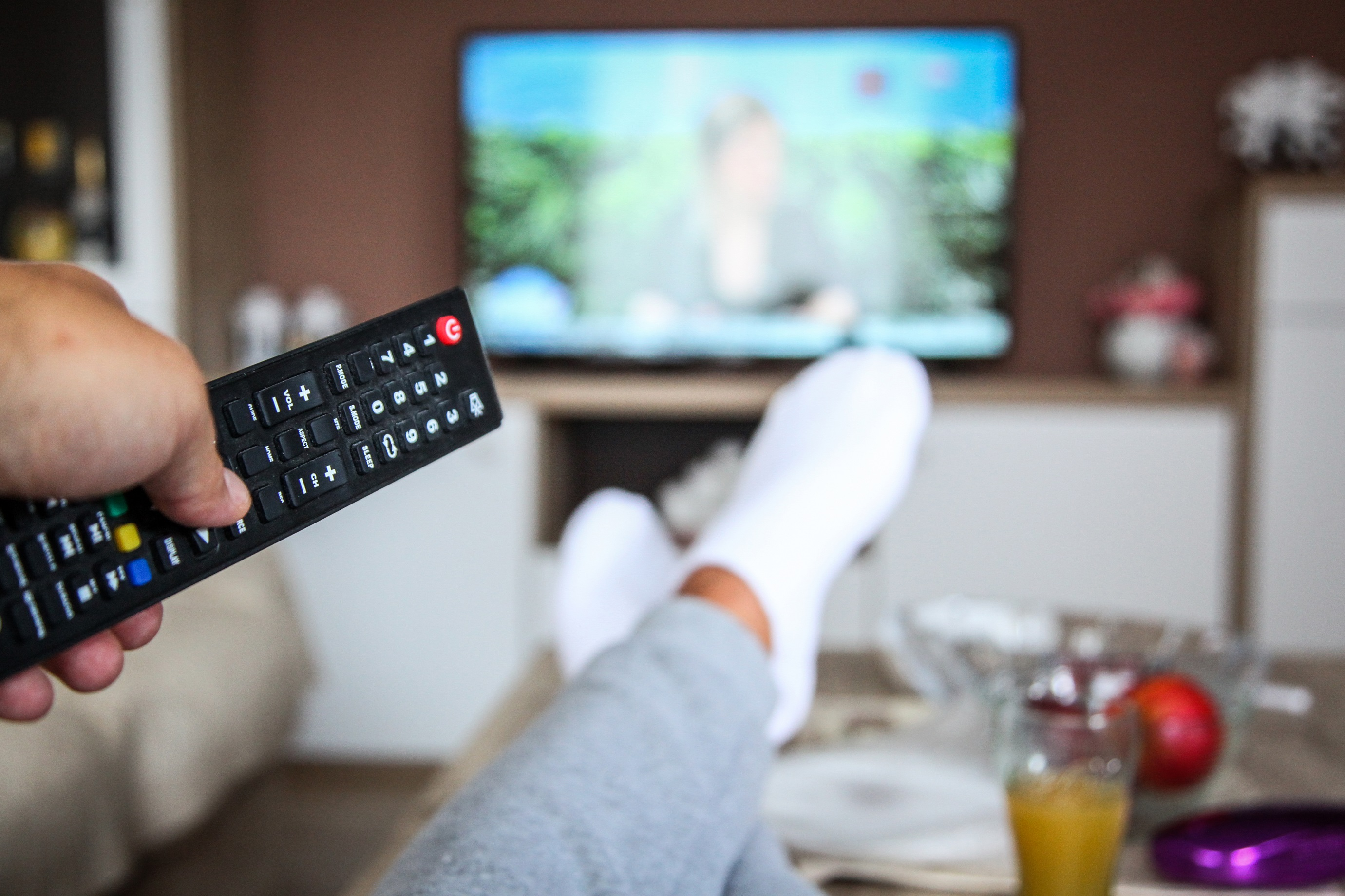Sleeping With TV on Might Cause Weight Gain, Study Says | WPGC