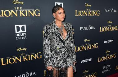 Beyoncé shines at 'Lion King' premiere.