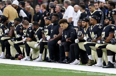 football players kneeling during national anthem nfl