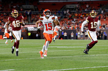 CLEVELAND, OH - AUGUST 8: Damon Sheehy-Guiseppi #15 of the Cleveland Browns outruns BJ Blunt #48 and Robert Davis #19 of the Washington Redskins for an 86-yard touchdown punt return during the fourth quarter at FirstEnergy Stadium on August 8, 2019 in Cle