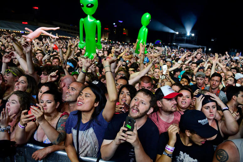 ATLANTIC CITY, NJ - JUNE 30: Fans cheer as Blink-182 performs during the second and final day of Warped Tour on June 30, 2019 in Atlantic City, New Jersey. (Photo by Corey Perrine/Getty Images)