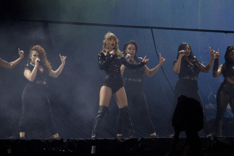 Taylor Swift Reputation Tour Cleveland Setlist | Q104