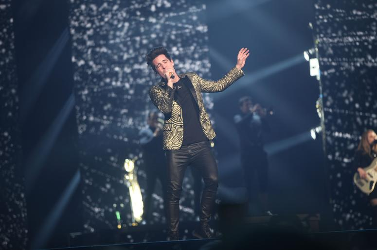 a3cb7d8a Panic! At the Disco performs at a sold-out Fiserv Forum in Milwaukee on