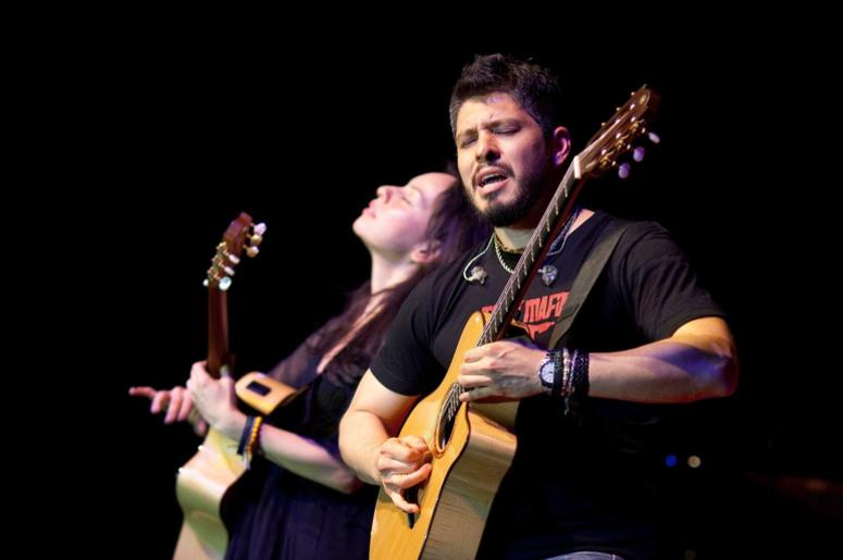 Rodrigo y Gabriela perform during the State Dinner reception for President Felipe Calderùn of Mexico and his wife, Mrs. Margarita Zavala, in a tent on the South Lawn of the White House, May 19, 2010.