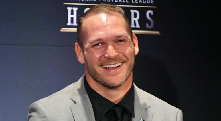 b74c7a7d36a Bears Great Brian Urlacher Ready To Celebrate Those Closest To Him ...