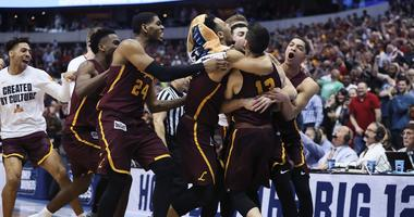 Loyola celebrates its victory against Tennessee