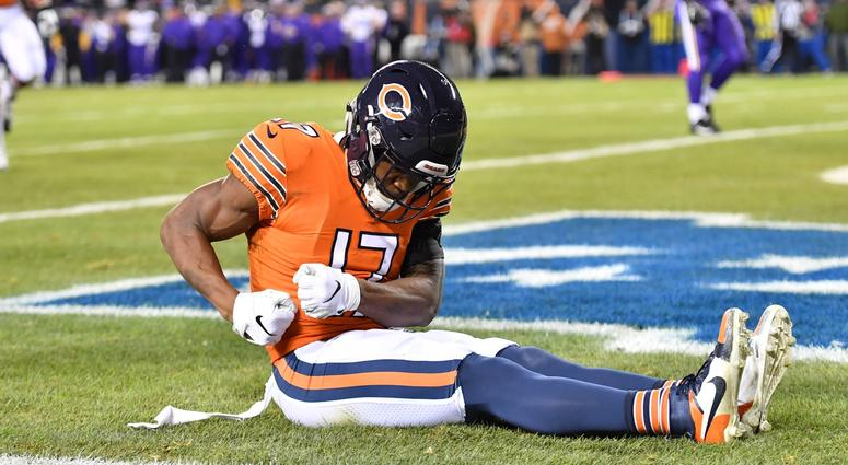 Bears receiver Anthony Miller (17) celebrates after a touchdown catch.