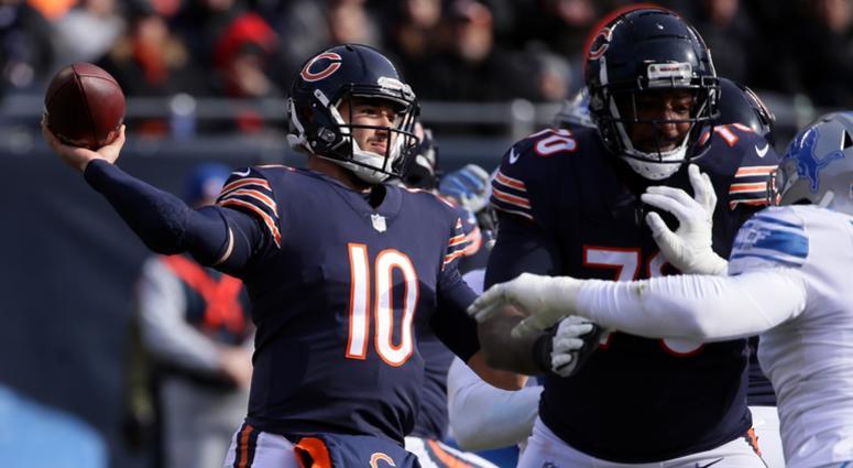 Bears quarterback Mitchell Trubisky (10)