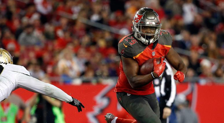 Buccaneers running back Peyton Barber