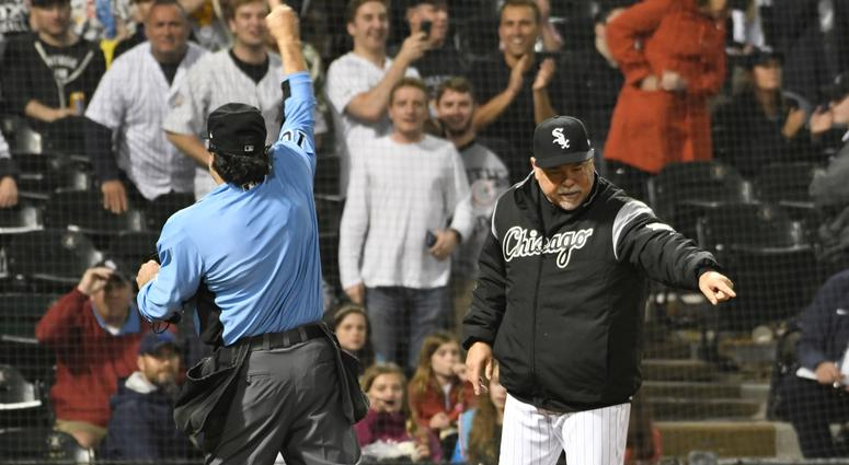 Umpire Phil Cuzzi ejects White Sox manager Rick Renteria.