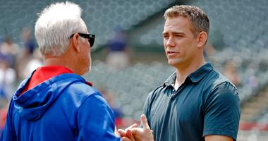 Cubs manager Joe Maddon, left, and president of baseball operations Theo Epstein have a conversation in 2015.