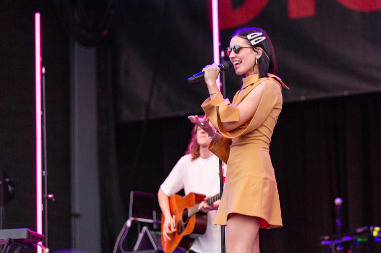 Chelsea Lee of Shaed during the Summerfest Music Festival on June, 28 2019, in Milwaukee, Wisconsin (Photo by Daniel DeSlover/Sipa USA)