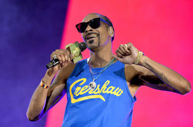 VIRGINIA BEACH, VIRGINIA - APRIL 27: Snoop Dogg performs onstage at SOMETHING IN THE WATER - Day 2 on April 27, 2019 in Virginia Beach City.