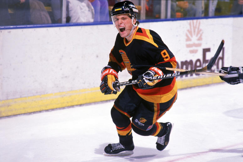 huge selection of bee76 165be 5 Retro Hockey Jerseys that Should Come Back | 1080 WTIC ...