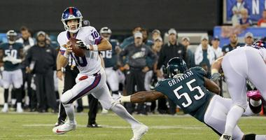 Wentz throws 3 TD passes, Eagles look Super vs. Giants