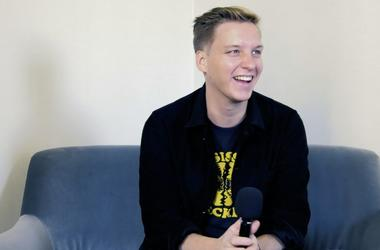 George Ezra Breaks Down the Tracks that Shaped His Life