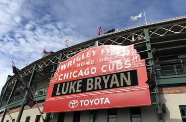 Luke Bryan   Wrigley Field Sign