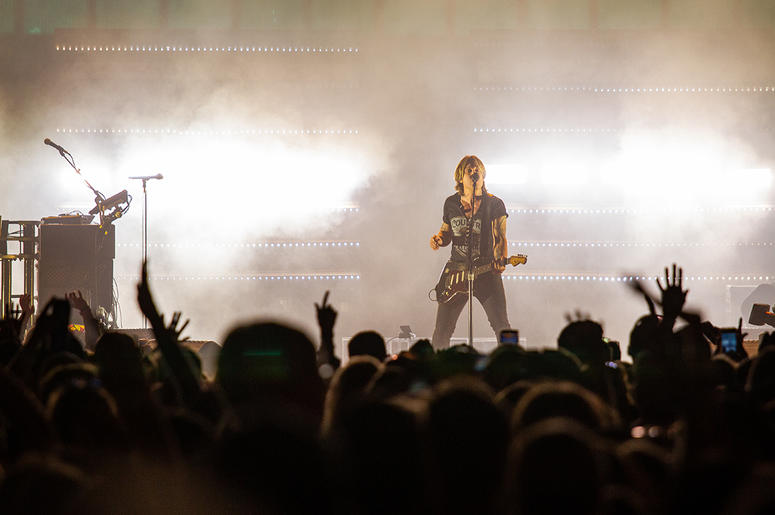Keith Urban at LakeShake by Allison Cipra Photography