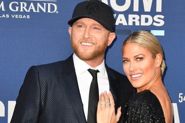 Cole Swindell & Barbie Blank at the 2019 ACMs