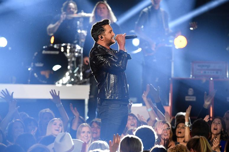 Luke Bryan  // 2019 ACM Awards