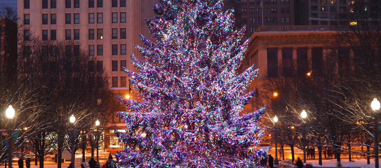 Chicago Christmas Tree Lighting 2019.Chicago S Annual Christmas Tree Lighting Ceremony Us99