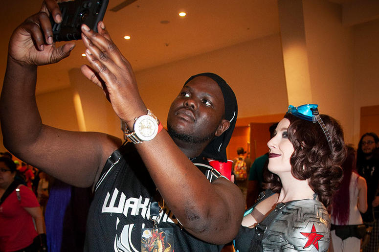 Two Dragon Con attendees pose for a selfie