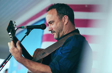 Dave Matthews Performing At The Mix Beach House