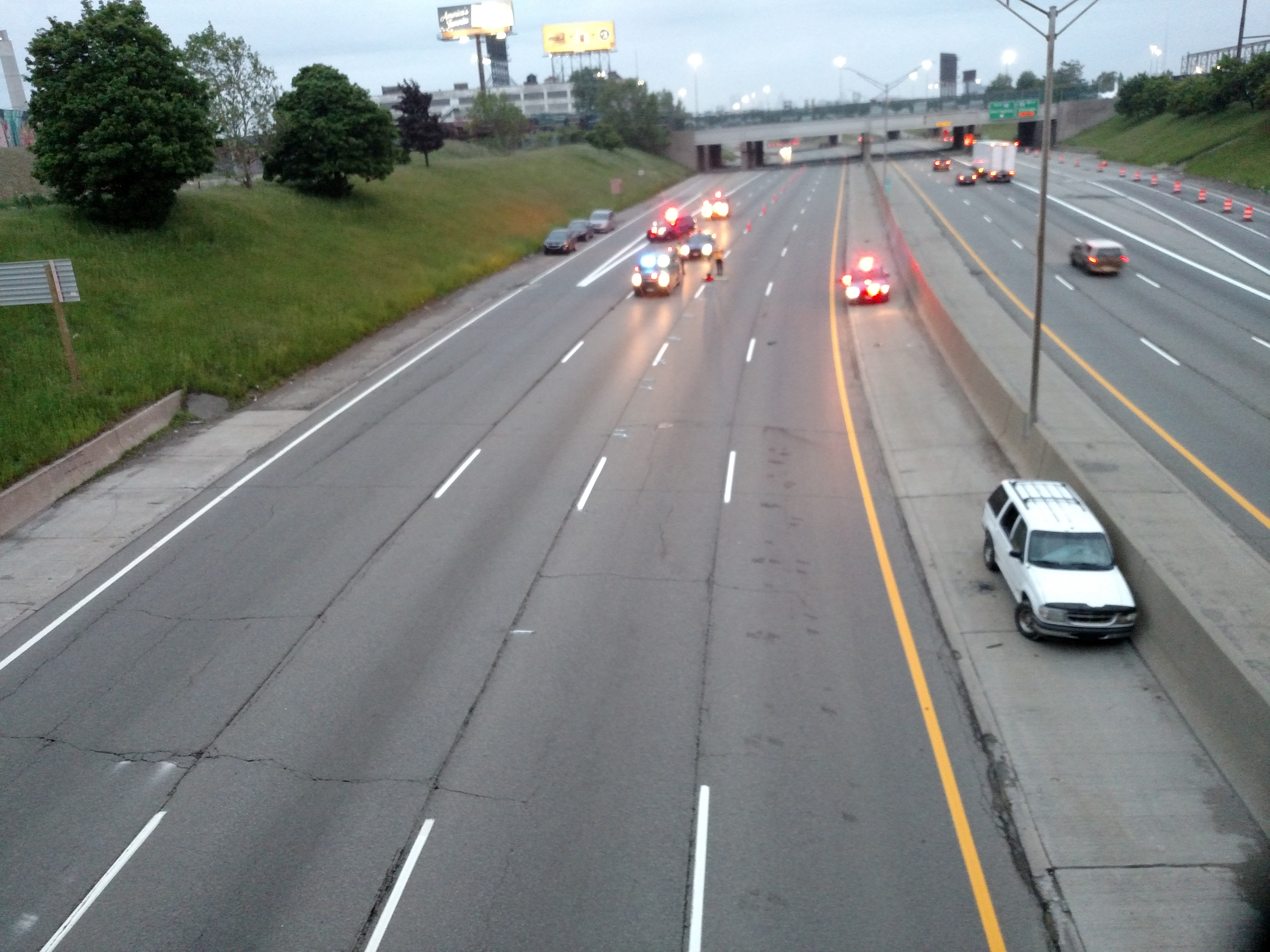 Driver Dies After Crashing Into Overpass On I-75 In Detroit