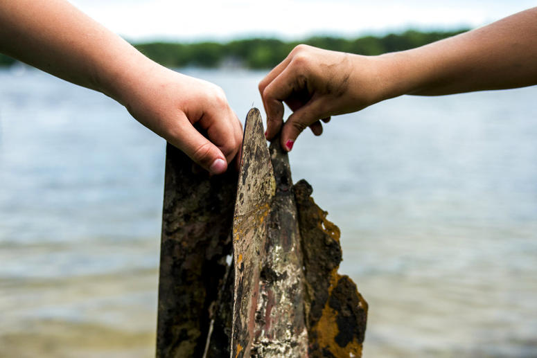 Girls discover World War I practice bomb in Michigan lake