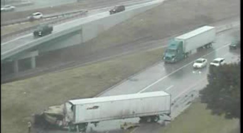 I-75 Reopens In Detroit After Semi Crash | WWJ Newsradio 950
