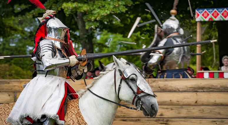 knight reenactors