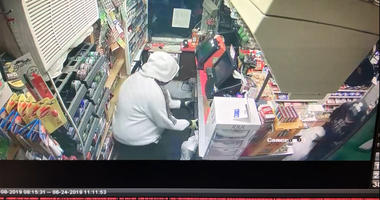 oakland county gas station robbery