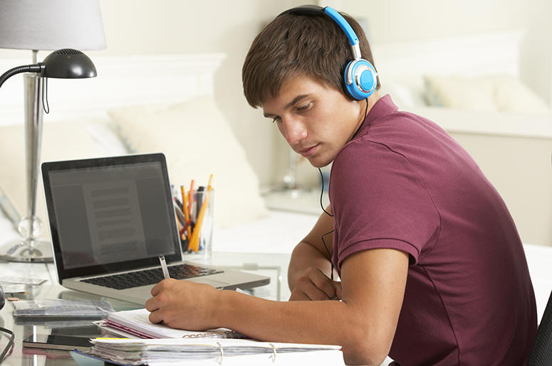The Best Albums To Put On While Studying | 93 XRT