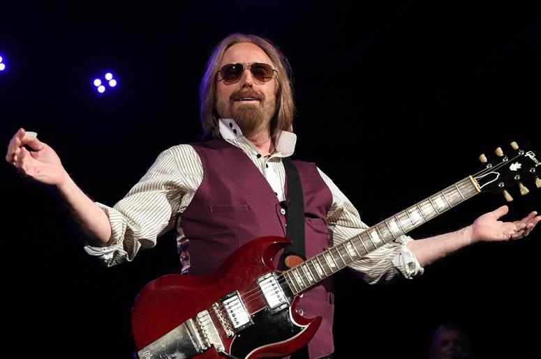 May 5, 2017; West Palm Beach, FL, USA; Tom Petty performs at Perfect Vodka Amphitheatre. Mandatory Credit: Ron Elkman/USA TODAY NETWORK