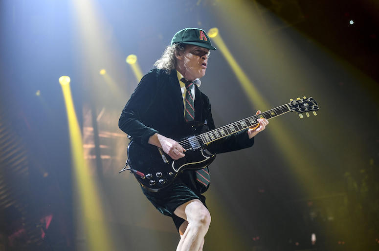 Watch Over 450 Guitarists Play AC/DC's