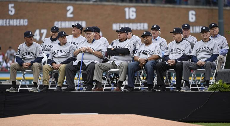 outlet store ddc89 3185b Tigers Honor 1968 World Series Team Before Game With ...