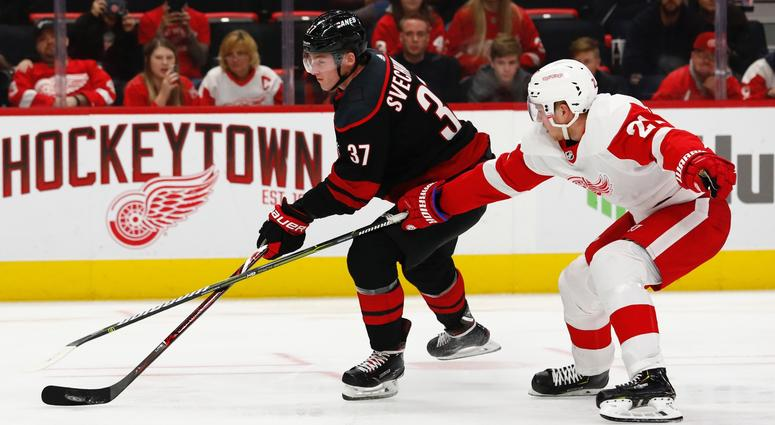 Detroit Red Wings And Fans Put Carolina Hurricanes In Place For