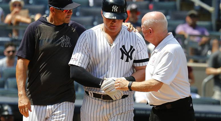 quality design bee6e 29a41 Yankees' Luke Voit Hit In The Face With 91 MPH Pitch [VIDEO ...