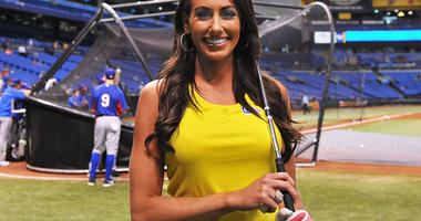 Holly Sonders, Thong
