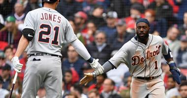 Tigers Beat Red Sox In DH Opener