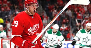 Mantha Sets Stage For Breakout Season With Four Goals In Home Opener [VIDEO]